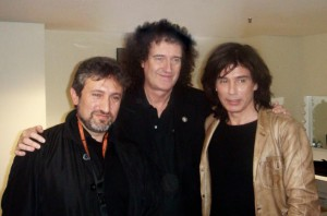 Astrônomo Garik Israelian, Brian May e Jean Michel Jarre, no camarim do artista no Royal Albert  Hall.