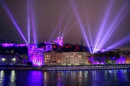 Fête des Lumières de 2005 - Parece o show de Lyon em 1986