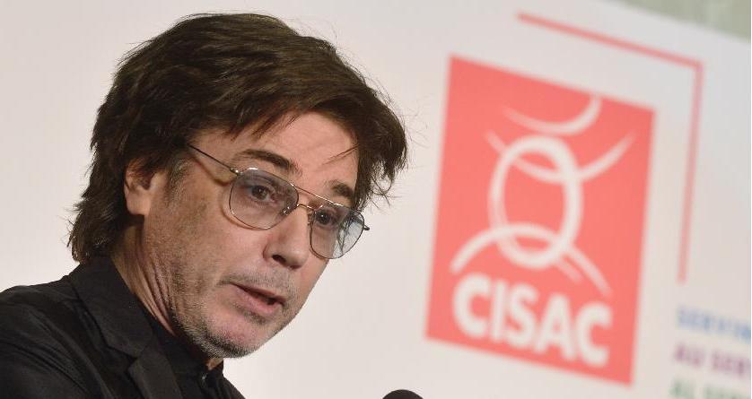 """Jarre ficou satisfeito ao ver """"o esforço da China para proteger os direitos e interesses dos artistas""""."""