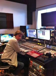 Jarre em estúdio (Bougival) trabalhando no novo álbum.