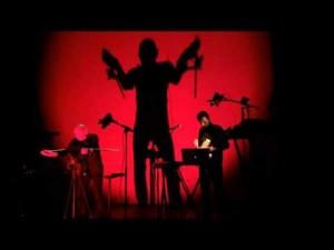 """Bernard Szajner & Almeeva apresentam o concerto """"Evolution"""" em Paris."""