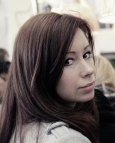 A bela ucraniana Kateryna Sokolova, desenhou vários aparlhos para a Jarre Tech.