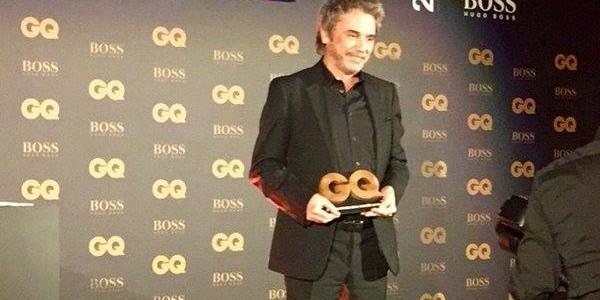 """Na noite do último dia 25 de janeiro, o músico francês Jean Michel Jarre recebeu da revista francesa GQ MAGAZINE , o prêmio de """"Homem do ano"""" (2015) na categoria artista músical . A cerimônia teve lugar no Shangri-La Hotel, […]"""