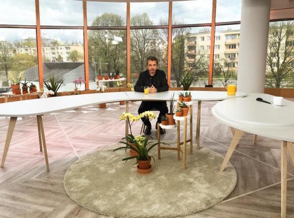 Jarre na bancada da TV polonesa