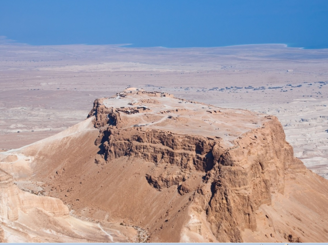 Fortaleza de Massada, ao fundo o Mar Morto (Israel)