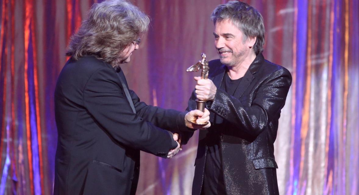 Jarre entregou um dos prêmios durante o Gala Fryderyk 2016