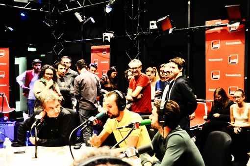 Jarre nos estúdios da rádio France.